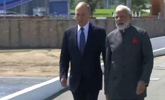 राष्ट्रपति पुतिन से की मुलाकात, भारतीय प्रवासियों से भी मिले, कश्मीर सहित इन मुद्दों पर होगी बात