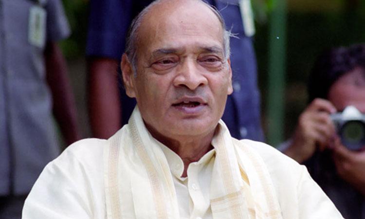 Editorial :- राजीव धवन के प्रतिरूप मनमोहन सिंह ? कांग्र्रेस की साजिश : नरसिम्हा राव को सजा?