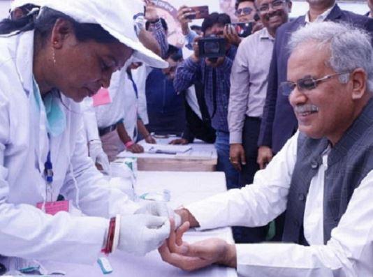 मुख्यमंत्री 'मलेरिया मुक्त बस्तर' अभियान में हुए शामिल, बीजापुर में मलेरिया से छात्र की हुई मौत