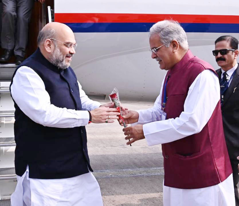 मुख्यमंत्री ने केन्द्रीय गृह मंत्री श्री अमित शाह की अगवानी की : रायपुर में मध्य क्षेत्रीय परिषद की 22 वीं बैठक
