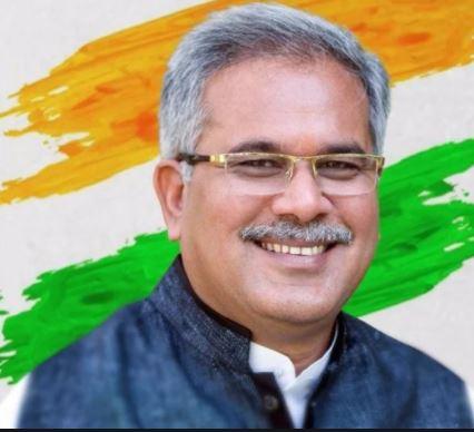 मुख्यमंत्री भूपेश बघेल ने 6 कोरोना रथ रवाना किए।