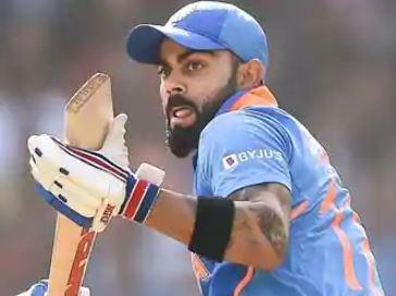 एक बार फिर टीम इंडिया के कप्तान विराट कोहली की तारीफ की है।