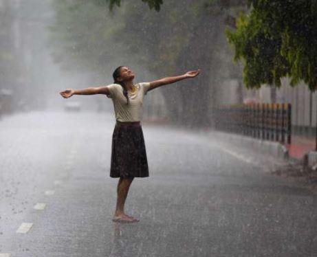 तेज बारिश इंदौर और आस-पास के इलाकों में सुबह हुई