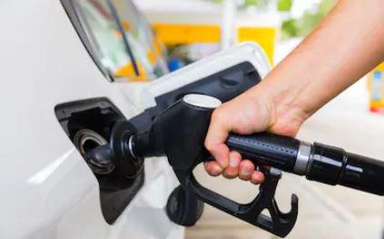 पेट्रोल और डीजल हुआ सस्ता क्रूड में नरमी के चलते