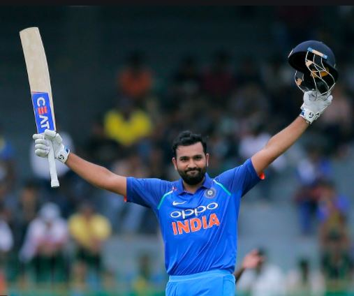 भारतीय बल्लेबाज रोहित शर्मा से सीखने की नसीहत दी है।
