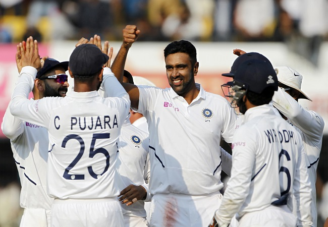 Ashwin has best chance of reaching 800-wicket mark, Lyon not good enough: Muralitharan