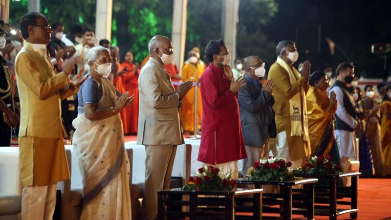 राष्ट्रपति श्री कोविंद माँ नर्मदा की महाआरती में हुए शामिल